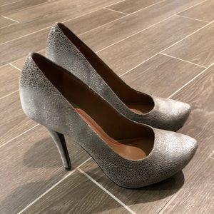 Saks Fifth Avenue heel pumps